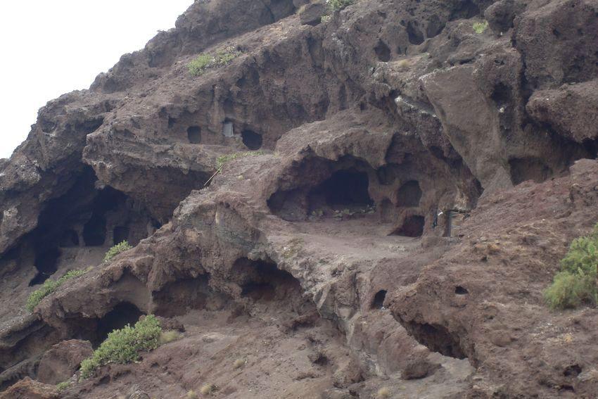 Cueva de los Canarios