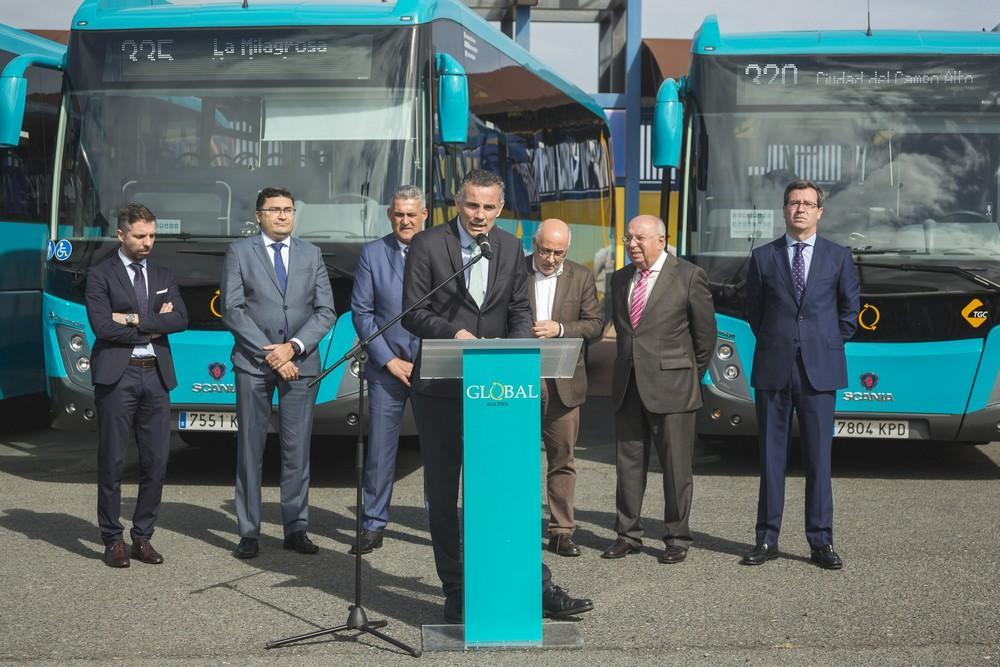 Presentación de nuevas guaguas en el anexo del estadio de Gran Canaria